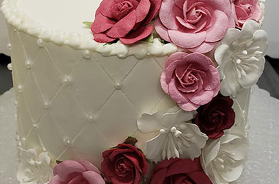 White Cake with Roses